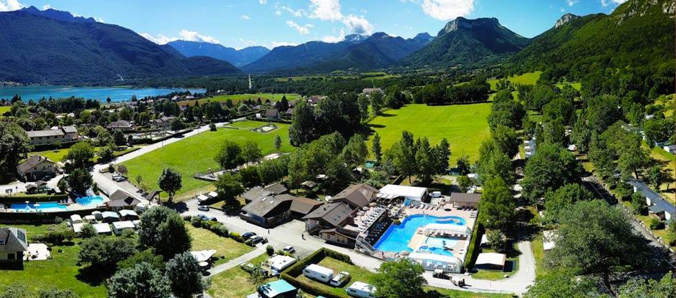 Découvrez le camping les Fontaines avec piscine au lac d'Annecy