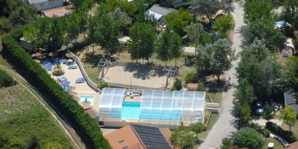 Quel est le meilleur camping avec piscine couverte et chauffée de l'île d'Oléron ?